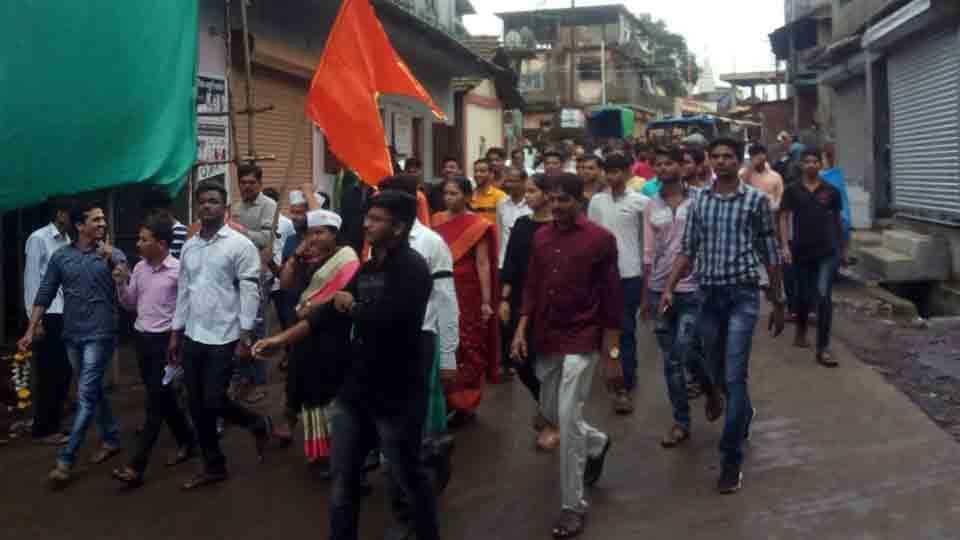 Maharashtra Bandh Composite response in Murbad to Maratha Kranti Morcha