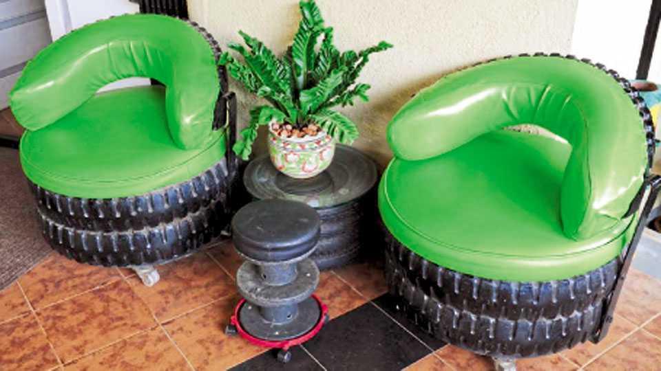 कचऱ्याचा पुनर्वापर - टाकाऊ टायरपासून तयार केलेली आसन व्यवस्था