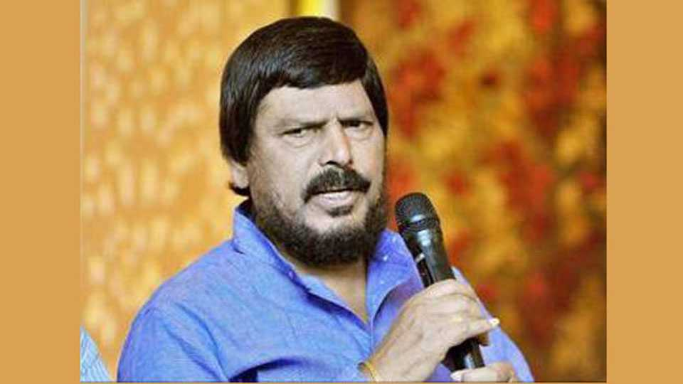 BJP-Shiv Sena should fight together for Lok Sabha 2019 elections says ramdas athavale