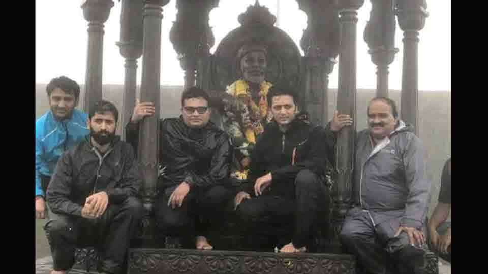 Actor Riteish Deshmukh apologises for posting selfie on social media with shiavji maharaj statue