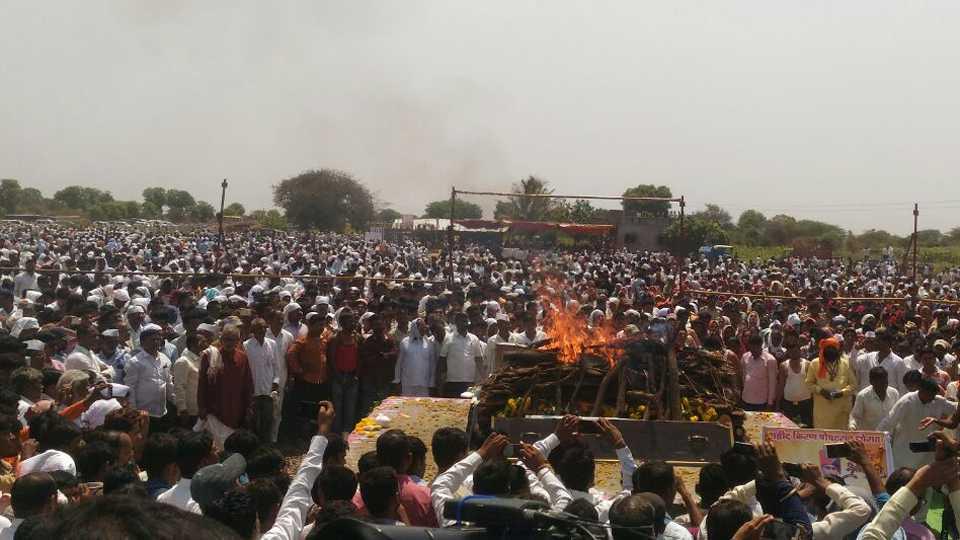 Army jawan kiran thorat cremated with military honours at vaijapur