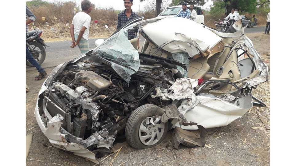 Accident between two cars one died one injured
