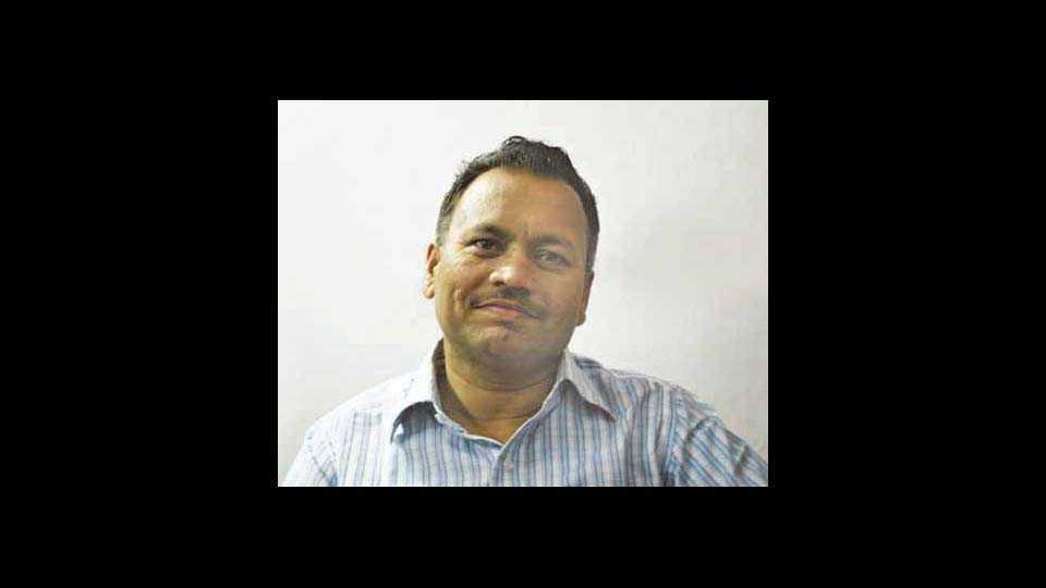 ज्येष्ठ साहित्यिक डॉ. अनिल नितनवरे