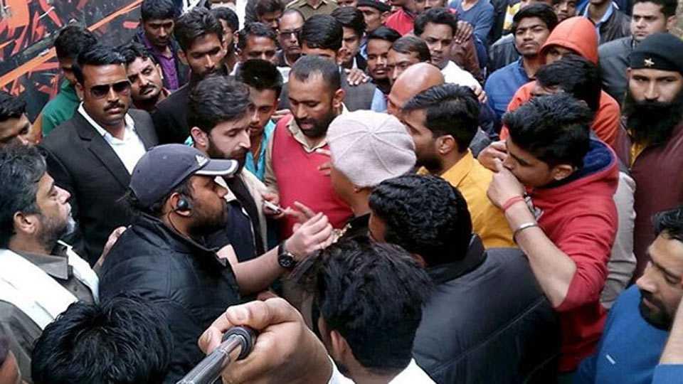 Sanjay Leela Bhansali Assaulted On Padmavati Sets in Jaipur