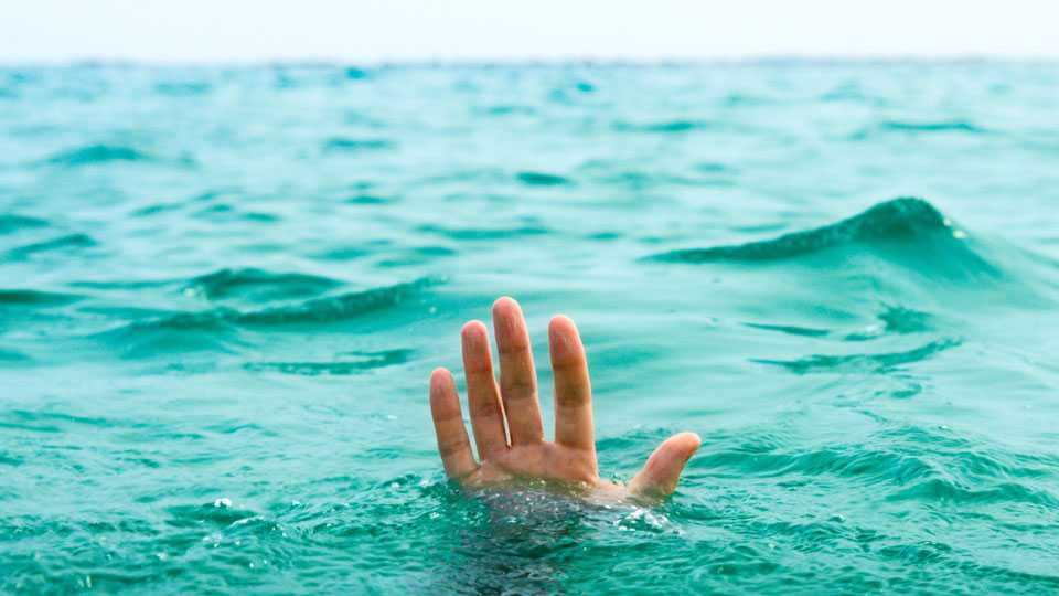 nashik news boys drown darna river accident swimming