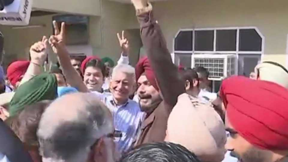 Gurdaspur By-Election Results Congress Candidate Sunil Jakhar wins