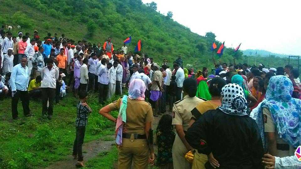 agitation in khamgaon