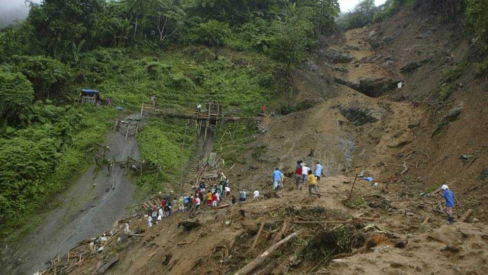 Landslide in Uttarakhand; 120 pilgrims of Hingoli stuck