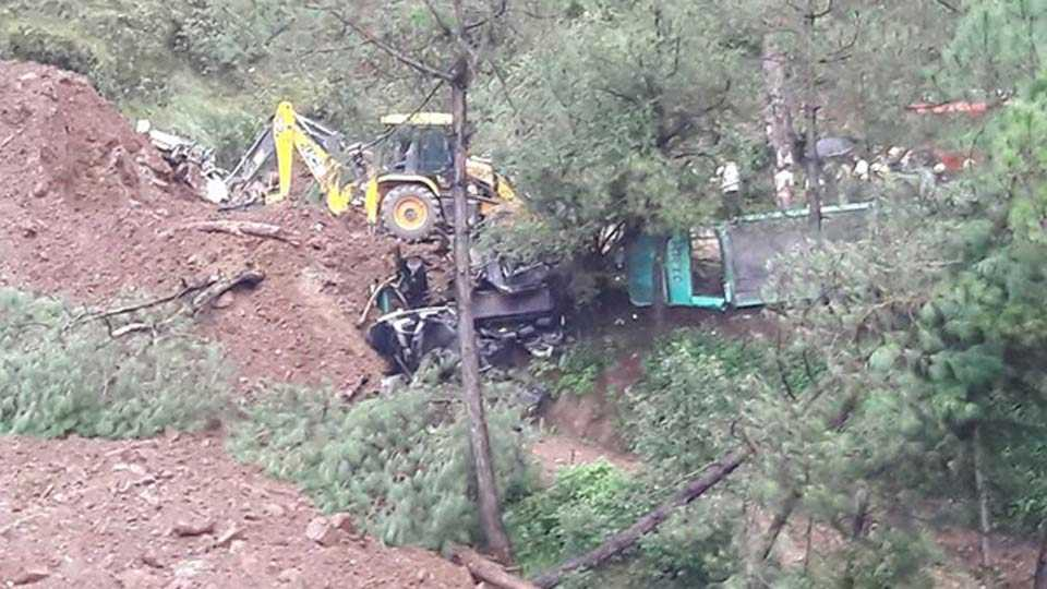7 Dead, Over 20 Missing As Landslide Sweeps Away Buses In Himachal Pradesh