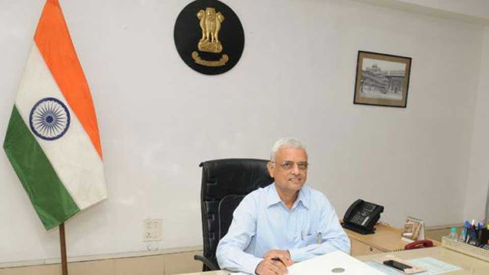 Election Commissioner OP Rawat On EVM and ballot paper