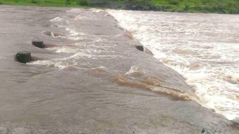 Amba rivers bridge is overflowed third time