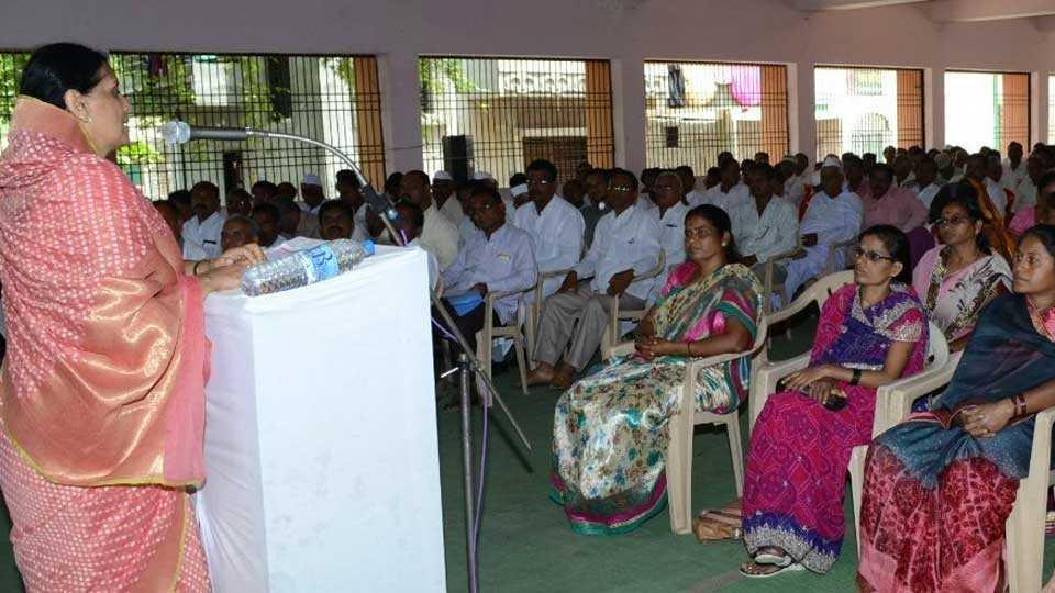 Libraries to be constructed at home: Rajshree Ghule