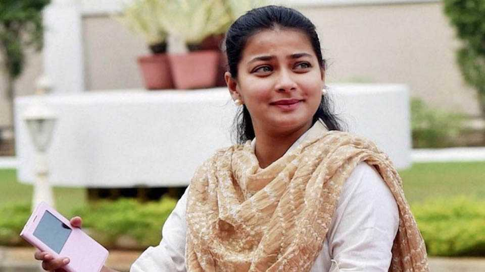 MLA Praniti Shinde comments on Karnataka Elections And BJP