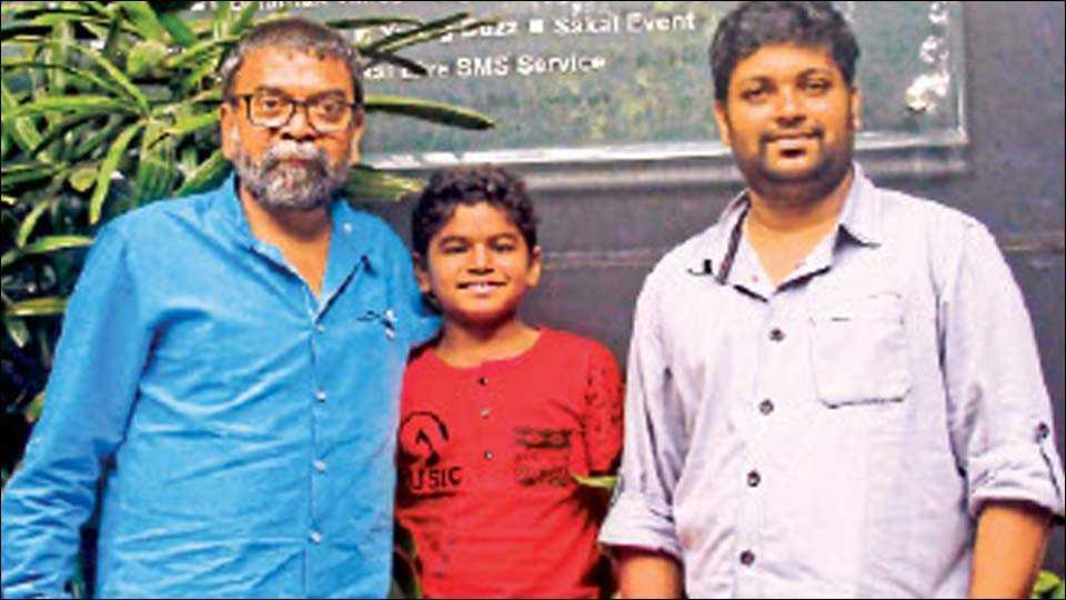 सकाळ कार्यालय, शिवाजीनगर : 'रिंगण' चित्रपटाची टीम : (डावीकडून) शशांक शेंडे, साहिल जोशी आणि मकरंद माने.