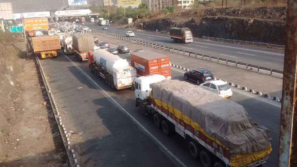 traffic-jam-expressway