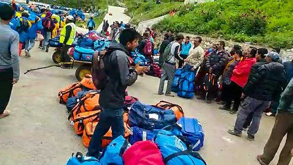 340 pilgrims rescued from Nepal
