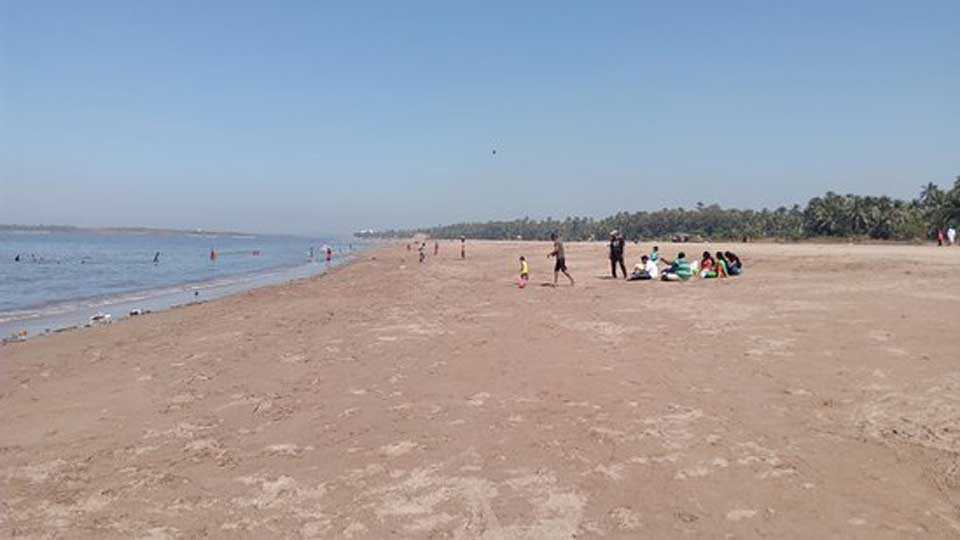 Aksa-Beach