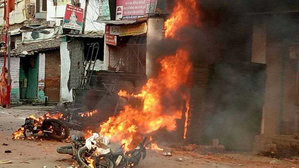 Claims of BJP not True says Fact Checkers 389 Dead in Over 2000 Communal Incidents