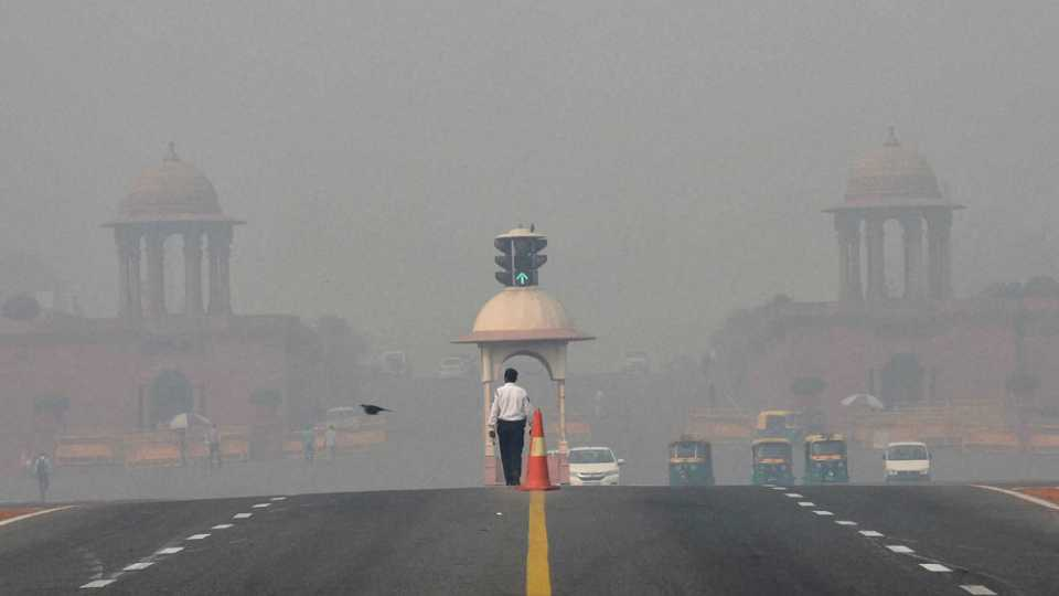 File photo of polluted air in Delhi