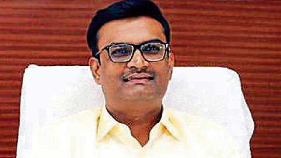 Dr.-Sudhakar-Shinde