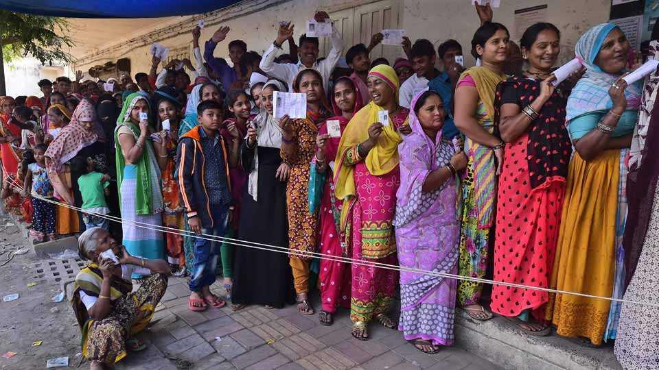 Voting in Gujarat Vidhan Sabha Elections 2017
