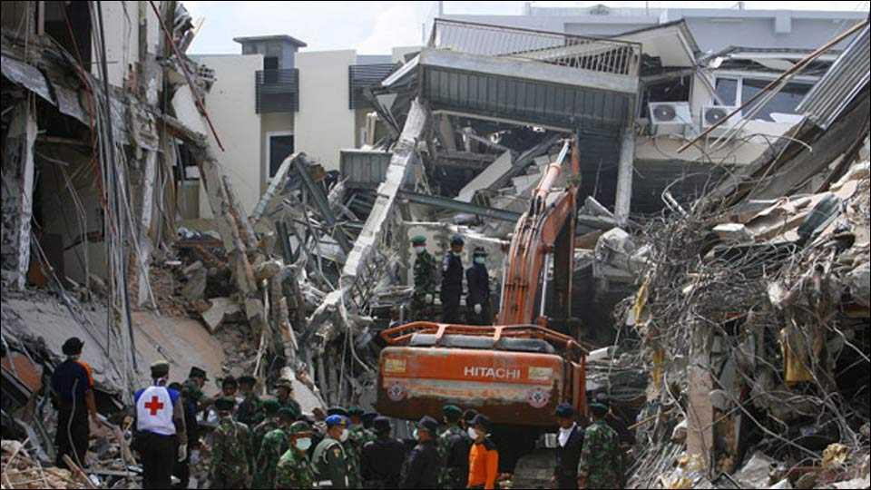 Indonesia earthquake; 52 dead