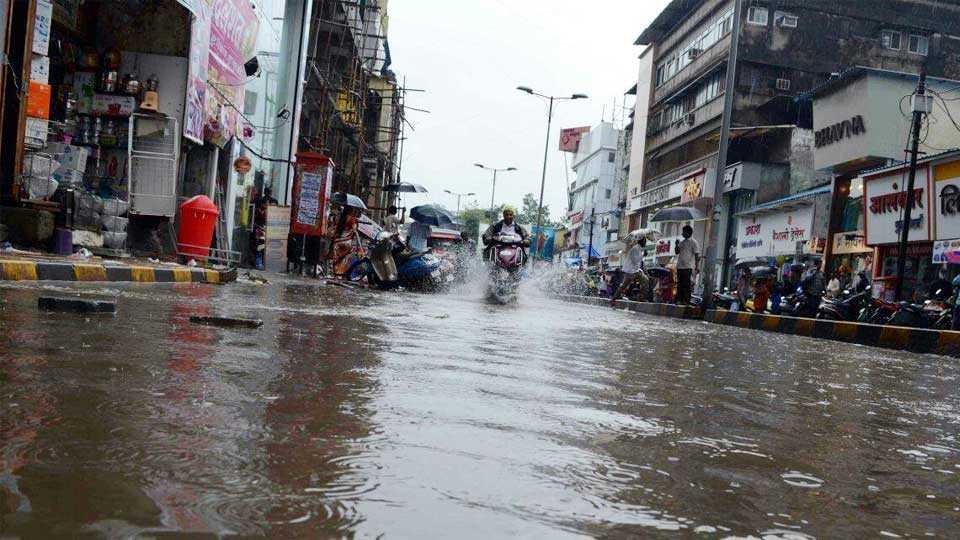 kalyan news dombiwali news water on road