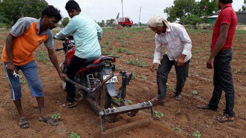 dhule news marathi news sakal news kolapur new faming farmers innovation