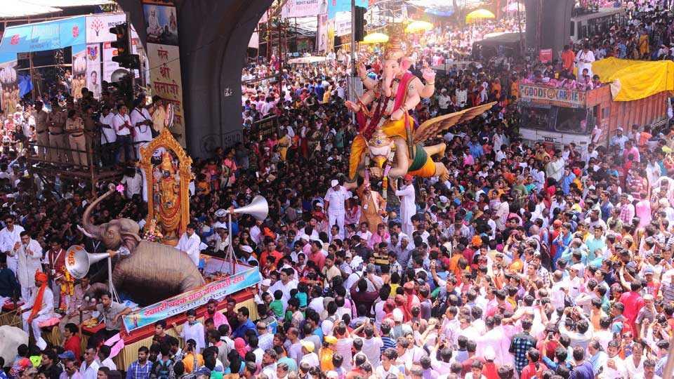 Mumbai News Marathi News Mumbai Ganesh Immersion Procession