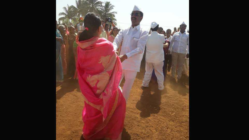 In Function MLA Desai Plays Fugdi with their wife
