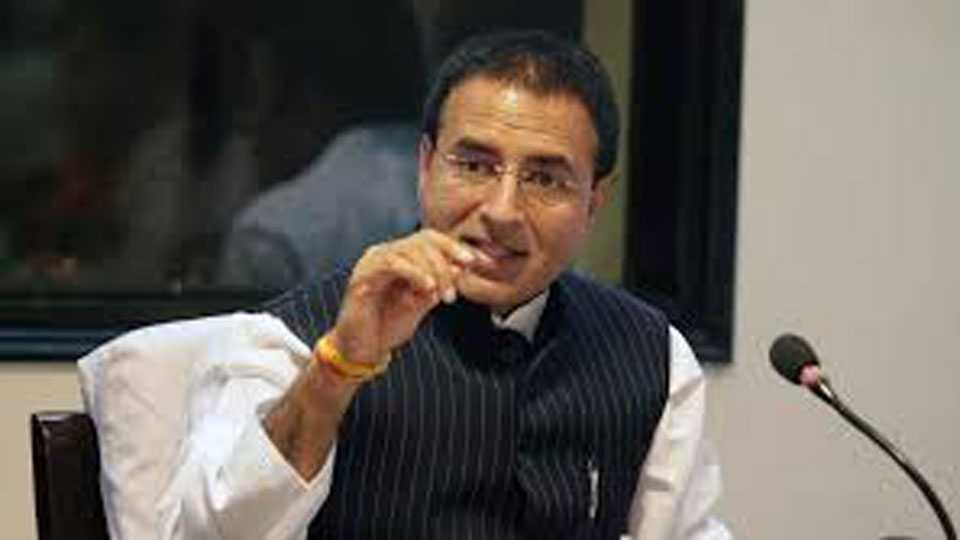 Congress Leader Criticizes PM Narendra Modi on Fast Issue