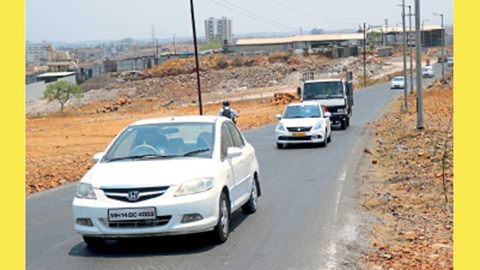 भोसरी - पुणे-नाशिक महामार्गावरील राजा शिवछत्रपती चौक (वखार महामंडळ) ते वडमुखवाडी रस्त्याने जाणारी वाहने.