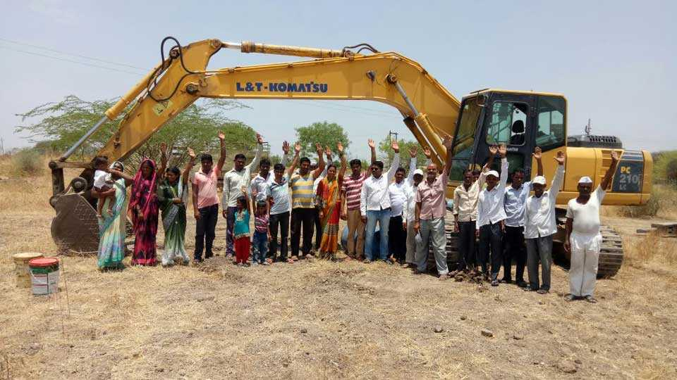 Launch of various water conservation works at Sonawadi Supe