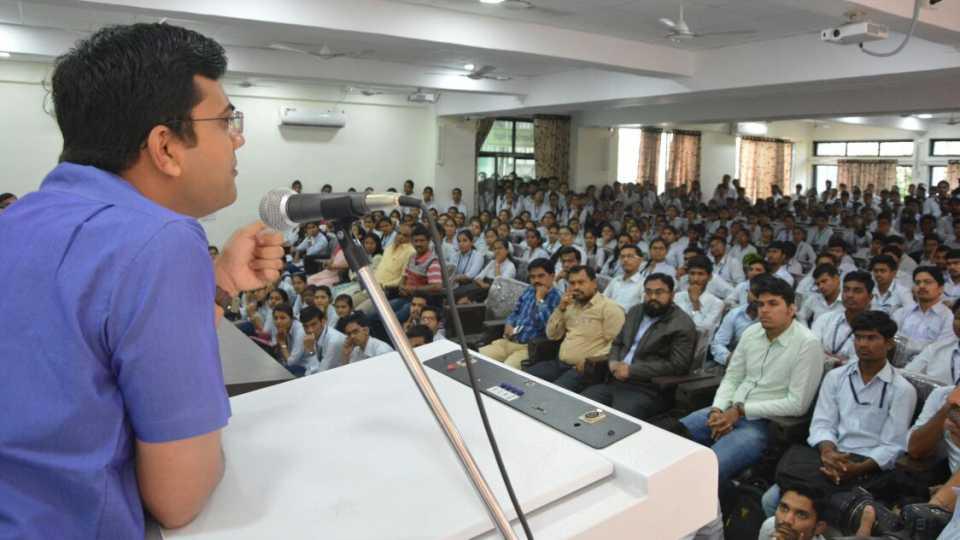 marathi news government engineering college sakal YIN sanmavad program