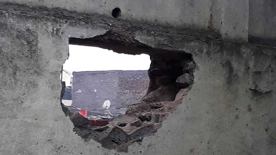 marathi news pune hadapsar pmc school wall hole