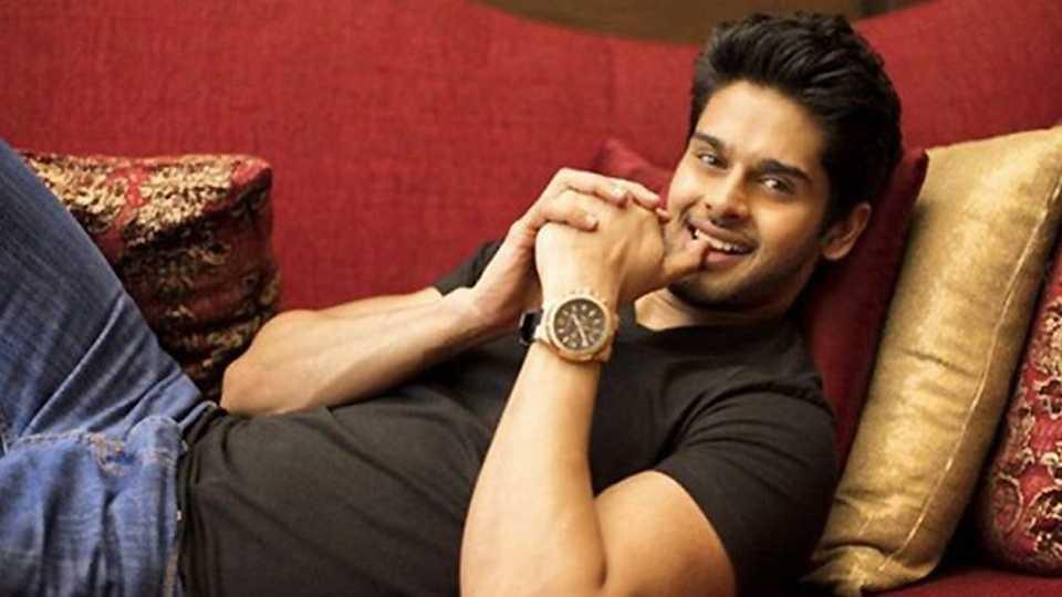 Bhagyashree's Son Abhimanyu Dassani Signs His Bollywood Debut 'Mard Ko Dard Nahin Hota'