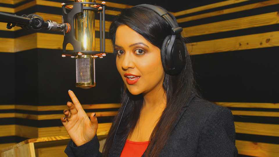 amruta phadanvis sings song for movie Daav esakal news