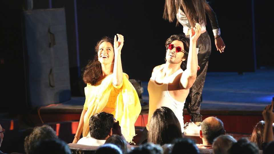 Gashmir mahajani girija oak dance esakal news