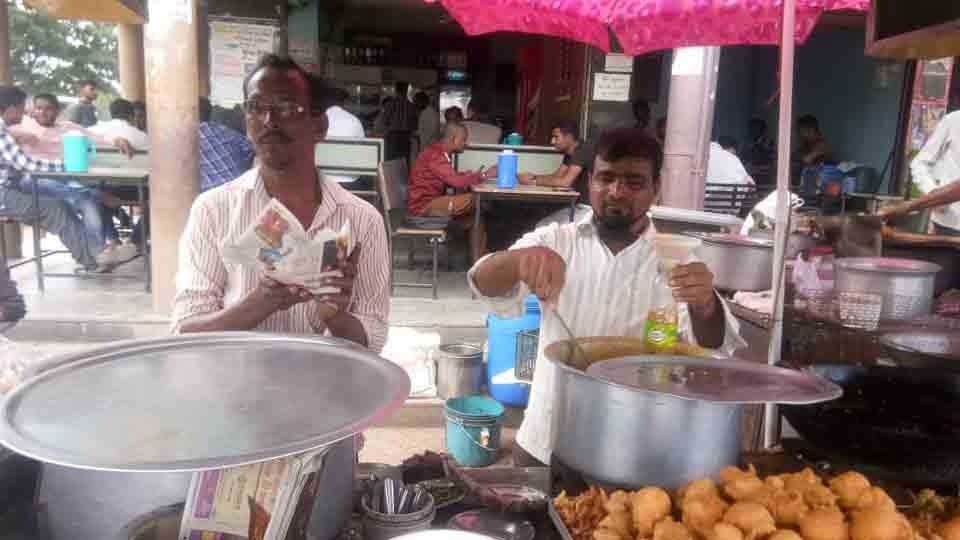 new idea of hawker after plastic ban in solapur