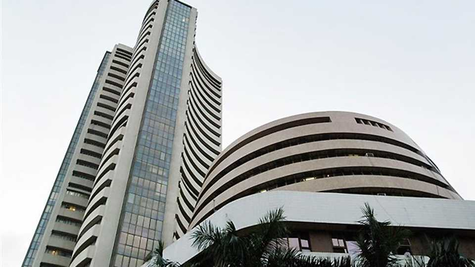 India Grid Trust makes tepid debut on bourses, opens flat over issue price of Rs 100   Read more at: http://economictimes.indiatimes.com/articleshow/59012300.cms?utm_source=contentofinterest&utm_medium=text&utm_campaign=cppst
