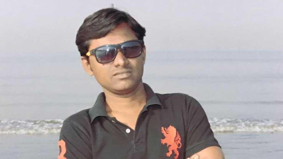 Producer of Film Mhorkya Kalyan Padal suicide