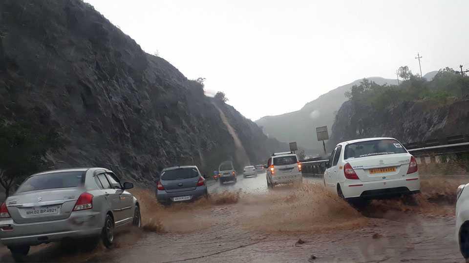 katgraj ghat marathi news pune news maharashtra news monsoon news