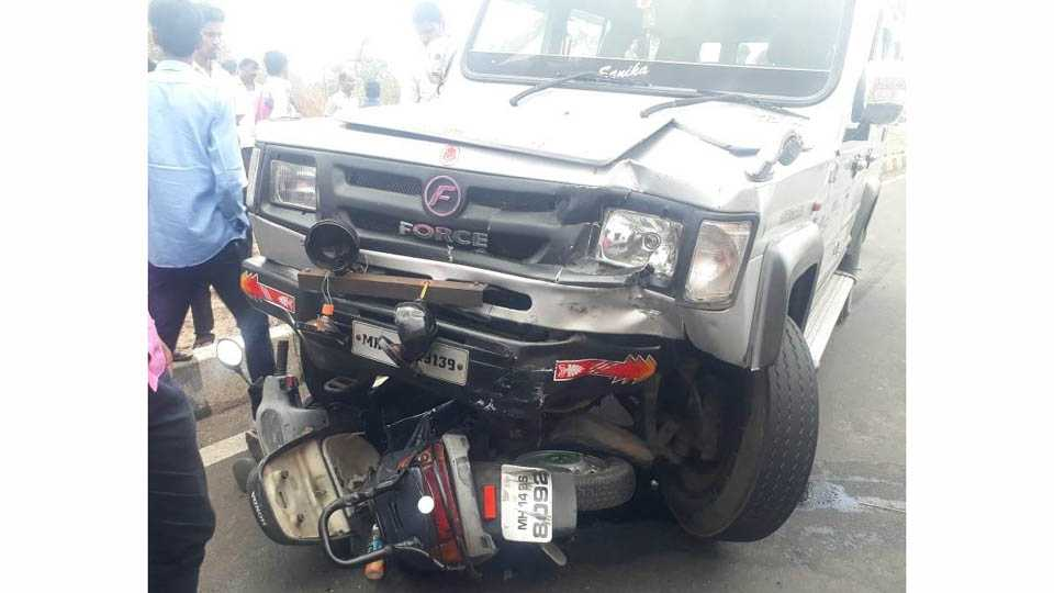 Two killed in accident at pune nasik national highway