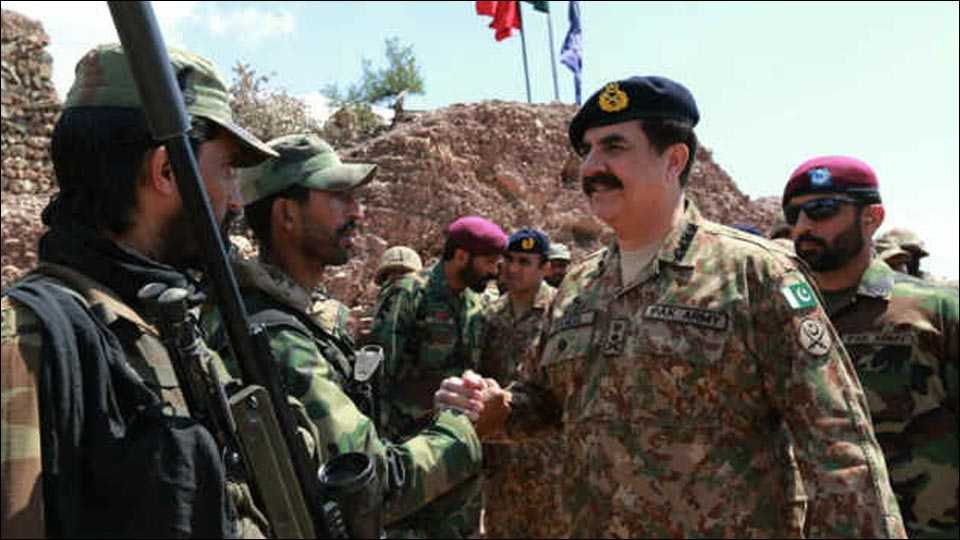 Pakistan holds military exercise close to Indian border