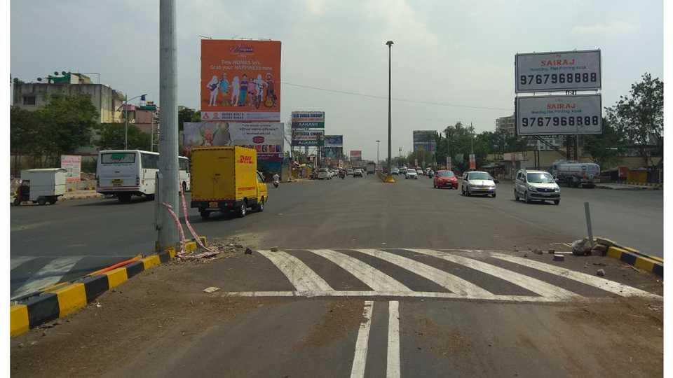 sixty meters road shorten to thirty meter Spending eighteen crore