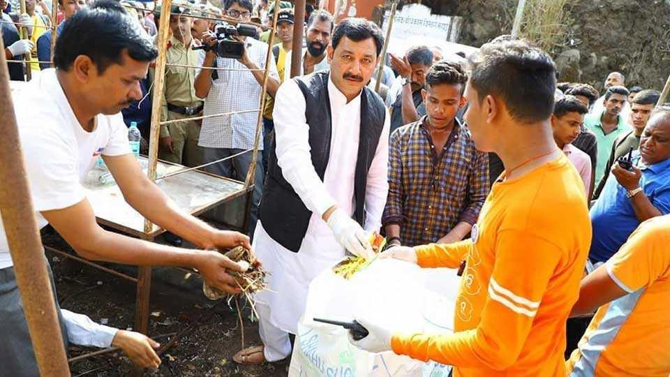 Shivrajyabhishek day celebrations on Raigad, cleanliness campaign begins