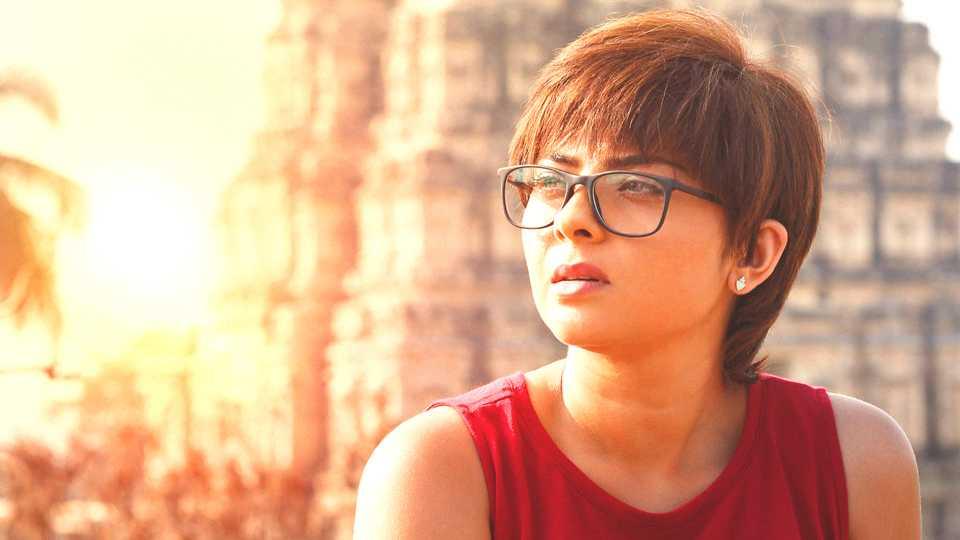 sonali kulkarni new hair cut for movie Humpi esakal news