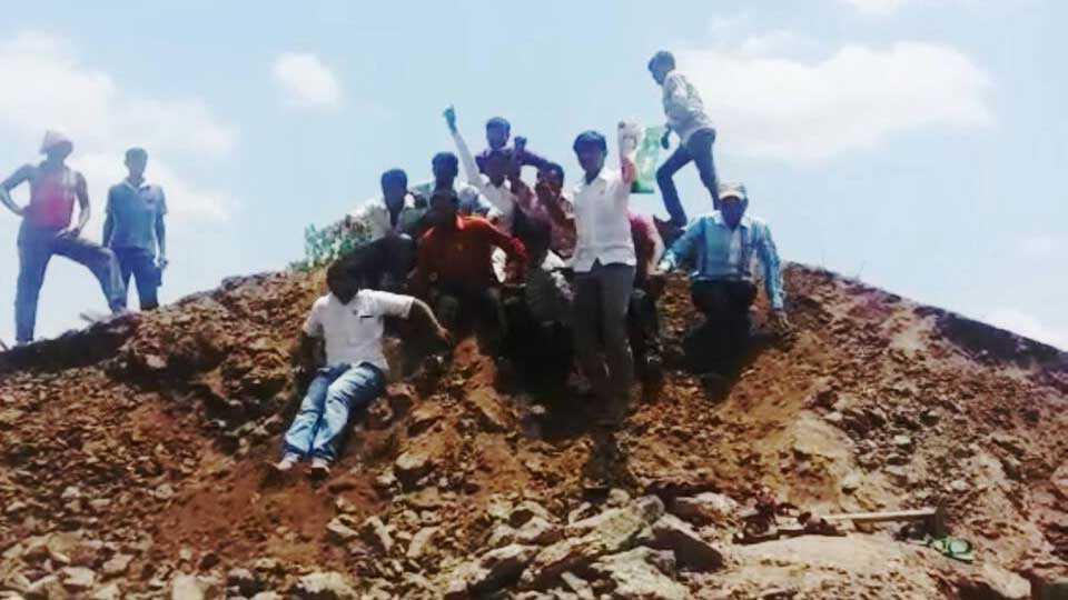 buldana news swabiman agiation maharashtra vidarbha news