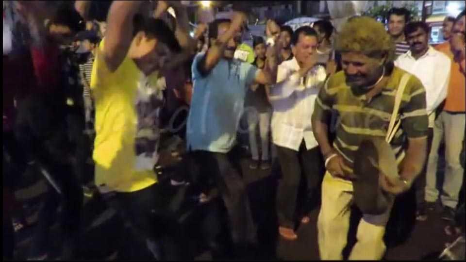 तानाजी साठेंची अखेरची हालगी (व्हिडिओ)