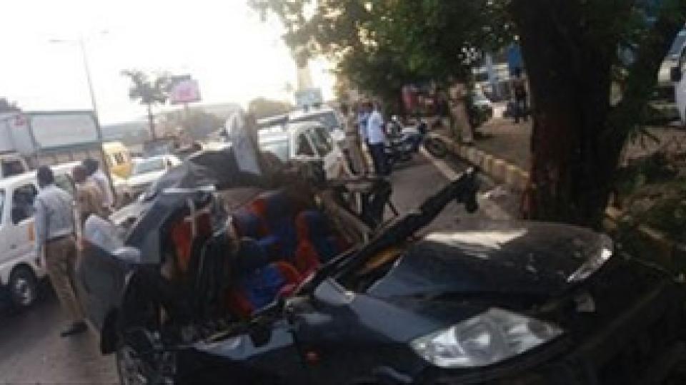 मुंबईत मिलन सबवेजवळ कारला अपघात;4 ठार